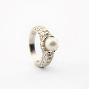 Batavia Pearl Rings