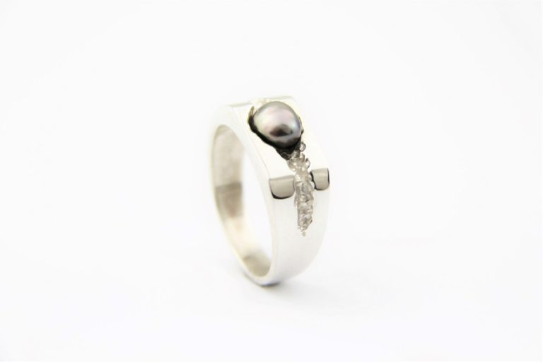 Mens Pearl Ring