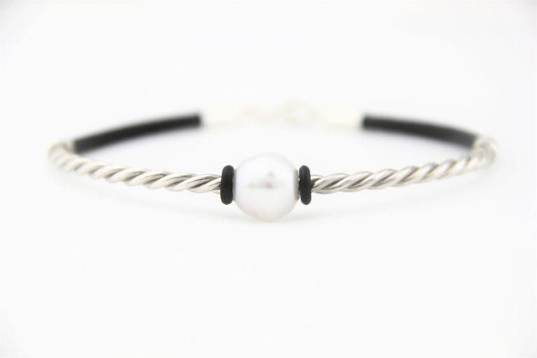leather pearl bracelet